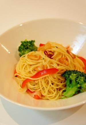 彩り野菜のペペロンチーノ♪~ガーリックオイルパスタ
