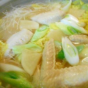 鶏手羽先と白菜大根の中華鍋
