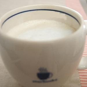 おうちカフェ♪スタバ風ほうじ茶ラテ。