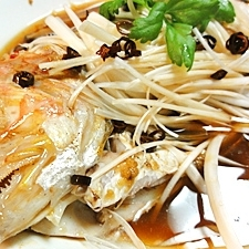いとよりのピリ辛中華風蒸し魚