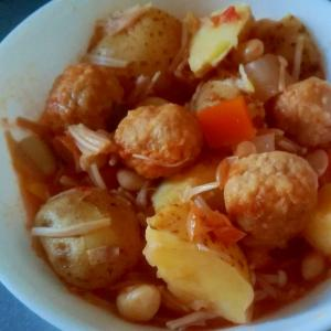 とり団子のトマト煮