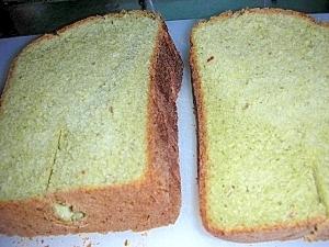 薄力粉でサクサク!おいしい大麦若葉&あずきの食パン