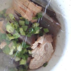 こんにゃくと厚揚げと豚肉の煮物