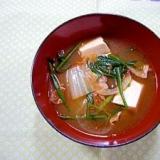 豚肉とニラのチゲスープ