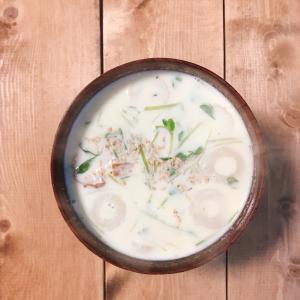 竹輪と豆苗の中華豆乳スープ