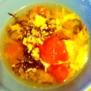 トマトとひじきの中華風スープ