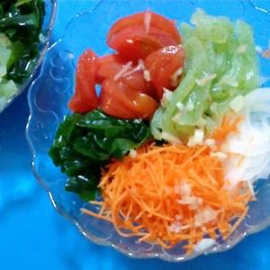 刺身こんにゃくのピリ辛サラダ