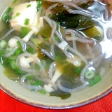 わかめと糸こんにゃくの簡単スープ