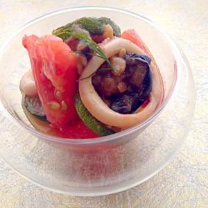 イカと茄子ズッキーニのトマトマリネ