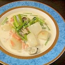 森永のおいしい牛乳で作る鮭とカブのミルクスープ