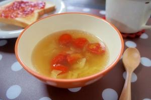 トマトとツナとキャベツのスープ