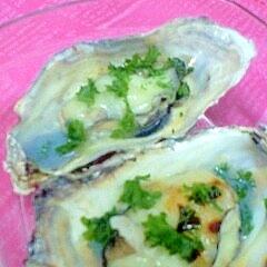 レンジで楽チン♪殻付き牡蠣のチーズ焼き