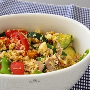 クスクスと夏野菜、自家製ツナのサラダ
