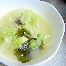 キャベツの味噌汁(牛乳仕立て)