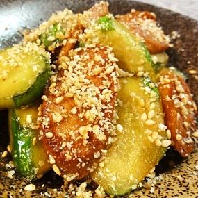 キュウリと魚肉ソーセージの炒め物