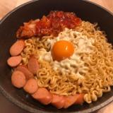 お手軽韓国料理!インスタントラーメンでラッポッキ