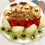 テリーヌといちご、ラ・フランス、キウイのサラダ
