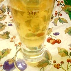 ほんのりアップルの香り☆りんご煮汁割りの白ワイン