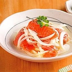 鮭と玉ねぎの酢漬け