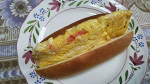 トリュフ塩と蟹カマ入り卵焼きのホットドッグ☆