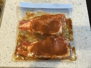 【冷凍時短レシピ】焼くだけ!豚ロース肉の味噌漬け!