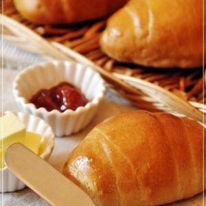 ホッとする美味しさ♥黒糖ロールパン♥