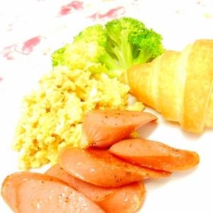 ❤クロワッサンとウィンナーと炒り卵の1プレート❤
