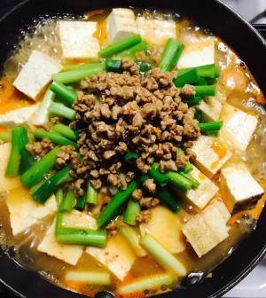 焼き豆腐とネギのチゲ鍋