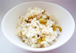 秘伝豆(青大豆)の炊き込みご飯