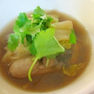 牡蠣と白菜の生姜醤油スープ