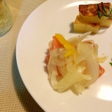 新玉ねぎとサーモンのサラダ