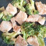 豚肉とブロッコリーのケチャマヨ炒め