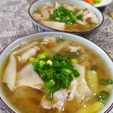 豚バラ下仁田ネギ餃子の皮スープ
