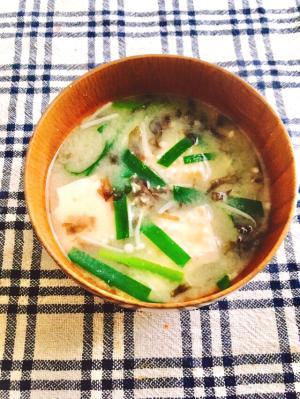 ニラ*豆腐*えのきのお味噌汁