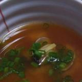 ぴりりと辛味 アサリのコチュジャン味噌汁
