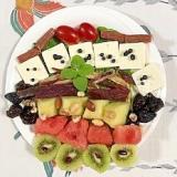 クリームチーズ、西瓜、メロン、キウイのサラダ