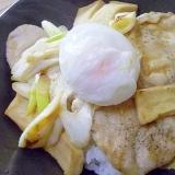 玉ねぎ氷de豚と高野豆腐の生姜焼き丼