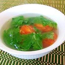 セロリとトマトの中華スープ