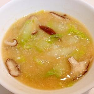 板粕で☆白菜と椎茸の粕汁