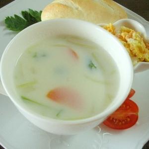 水菜と人参とハムのミルクスープ&プチパンプレート♪