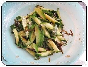 塩麹でキュウリと大葉の浅漬け♪塩昆布と生姜入りで!