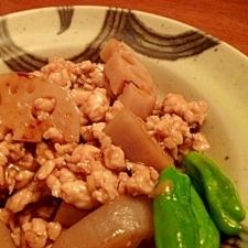 れんこんと鶏ひき肉のピリ辛炒め