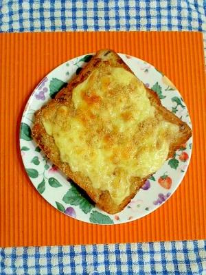 チーズ味噌トースト♪