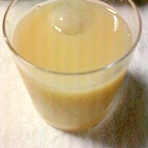 カルピスのレモンジュースと麦茶割り