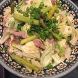 アスパラとキャベツと豚肉の塩ダレ炒め♬