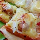 今日のランチ*りんご&ソーセージのピザトースト