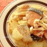 じゃがいもと鮭のにんにくマヨ炒め