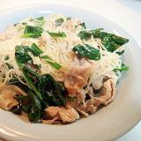 豚肉とえのき茸とほうれん草の素麺チャンプルー