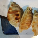 簡単おつまみ、納豆キムチーズ餃子
