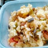 鮭と塩昆布、ナスの漬物の炒飯弁当